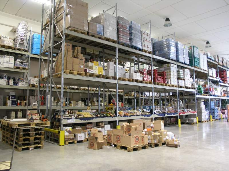 Progettare un magazzino con scaffali industriali basta for Arredamento magazzino